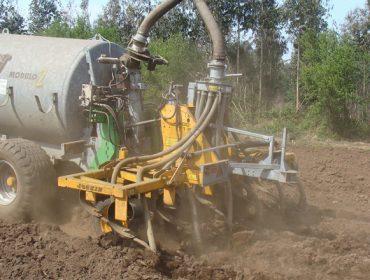 Unións Agrarias advirte de que a inxección de purín é inviable nas granxas galegas