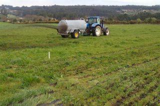 Solicitan unha liña de axudas específica que permita aos gandeiros adaptarse á nova normativa de xurros