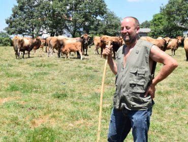 """""""Os gandeiros temos que ir coa cabeza alta, somos os que alimentamos á humanidade"""""""