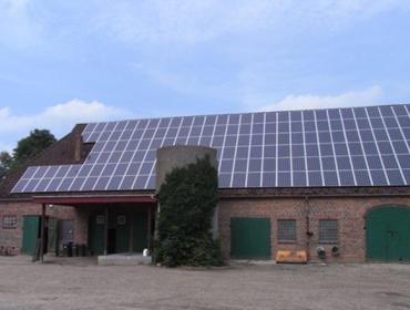 As enerxías renovables permitirían aforrar máis de 2.000 euros nas granxas