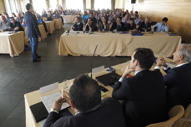 Evialis reúne a máis dun cento de gandeiros en Lugo para informar sobre nutrición, seguridade alimentaria e principais patoloxías do sector vacún