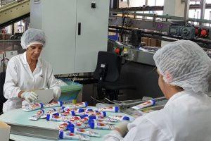 O leite condensado é o principal produto que se fabrica na planta de Nestlé de Pontecesures