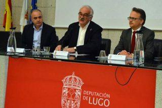Julián Alonso, primeiro á esquerda, na presentación dun proxecto de micoturismo na montaña lucense. / Arquivo.