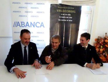 Abanca ofrecerá financiamento en condicións preferentes a viticultores e adegas de Valdeorras