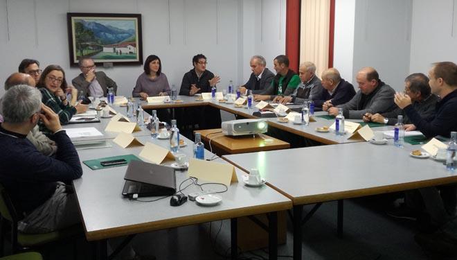Reunión de la conselleira en Ponteareas con la Asociación Forestal de Galicia y con comunidades de montes afectadas por los incendios.