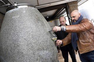 Crean a primeira barrica de granito galego