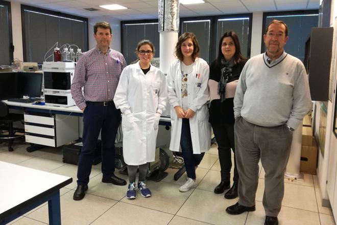 Investigadores galegos melloran a detección de fitosanitarios no viño