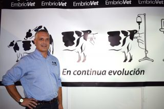 """Daniel Martínez Bello, de Embriovet  & Embriomarket, incorpórase ao blogue """"Especialistas en novillas"""" de Zoetis"""