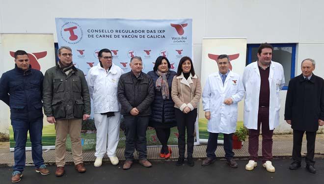 Imagen de grupo tras el acto de certificación.