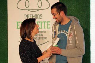 Marcos Quintas, recollendo o diploma dos premios Exceleite.