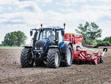 Valtra se cambia a combustibles 100% renovables para el repostaje de sus nuevos tractores
