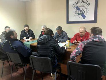 Gandeiros do Deza chegan a un acordo con agricultores da Limia para cultivar millo forraxeiro