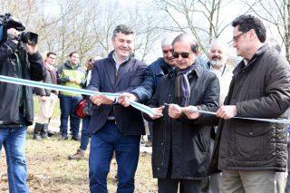 Inauguración del monte por el director general de Inditex, Antonio Abril.