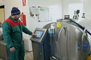 Que factores inciden nunha correcta limpeza do tanque de frío?