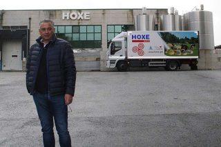 """""""As importacións de queixos a baixo prezo e os sucedáneos de queixo péchanlle futuro ós produtores galegos"""""""