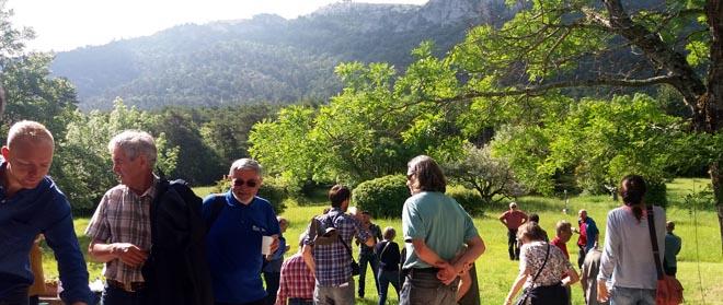 Participantes nas visitas forestais na Provenza.