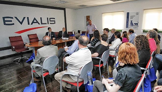 Evialis Galicia prevé triplicar a comercialización de pensos no sector avícola