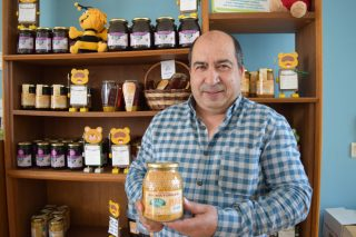 """""""El polen tiene muy buena salida en el mercado pero vemos una gran oportunidad en producir jalea real"""""""