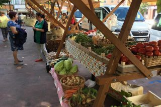 A Xunta ve posible celebrar mercados locais de alimentación