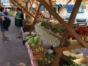 La Xunta ve posible celebrar mercados locales de alimentación
