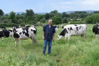 Gandería O Cantón SC: As vantaxes de producir leite en extensivo en Ourense