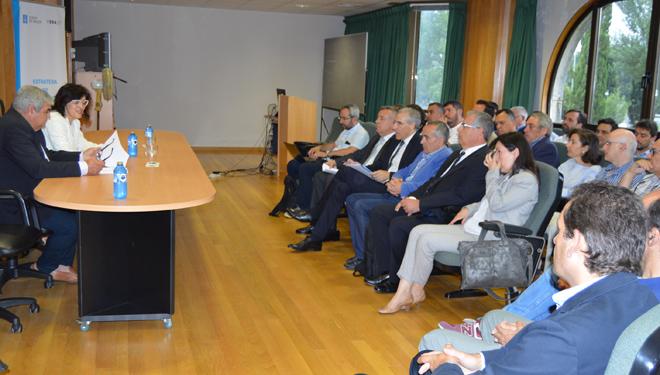 A Xunta prevé formar a máis de 5.000 profesionais para traballar no sector forestal