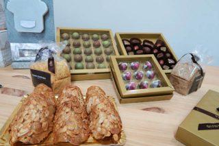 Bombóns e doces da pastelería.