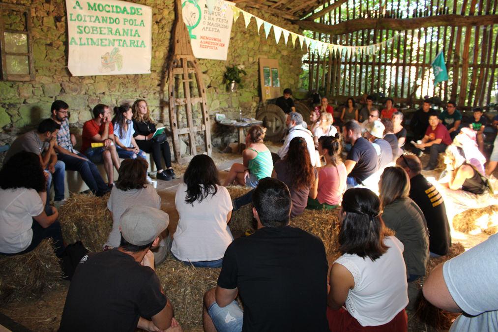 Critican os atrancos da administración ás granxas que apostan por modelos alternativos