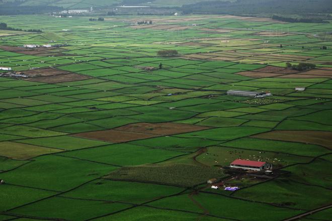 Leiras pequenas e peches de pedra: o sistema agrario máis habitual nas illas portuguesas