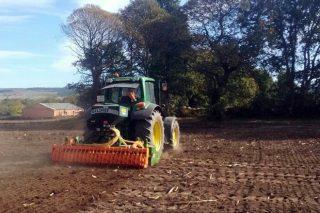Millares Torrón, importador de las sembradoras Delimbe, acoplables a equipos de laboreo
