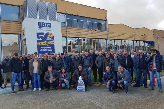 50 gandeiros lucenses visitan en Zamora a cooperativa láctea GAZA
