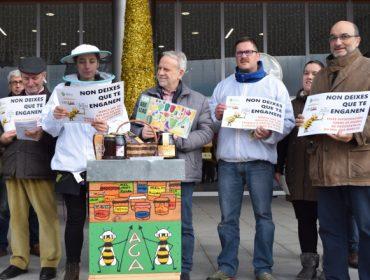 Concentración de apicultores en Santiago para pedir cambios na etiquetaxe do mel