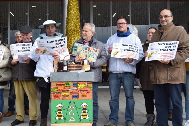 Concentración de apicultores en Santiago para pedir cambios en el etiquetado de la miel