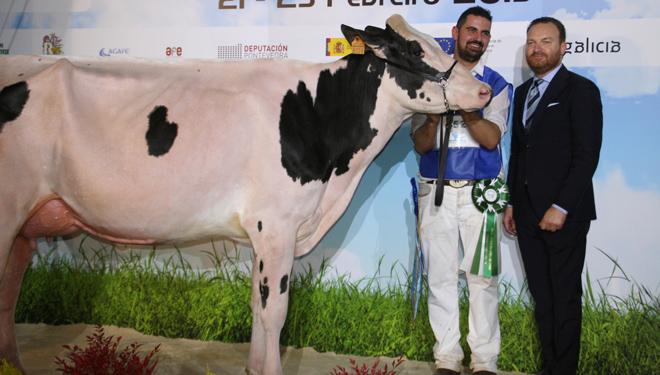 """""""A vaca que gaña na pista ten que ser campioa na sala de muxido"""""""