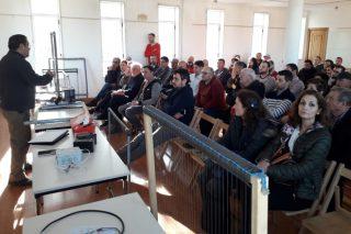 Máis de 60 apicultores galegos analizan en Trasmiras os retos do sector