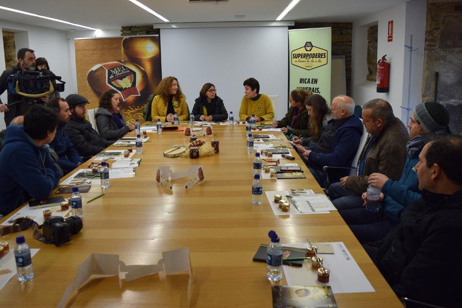 Visita dos apicultores corsos á IXP Mel de Galicia