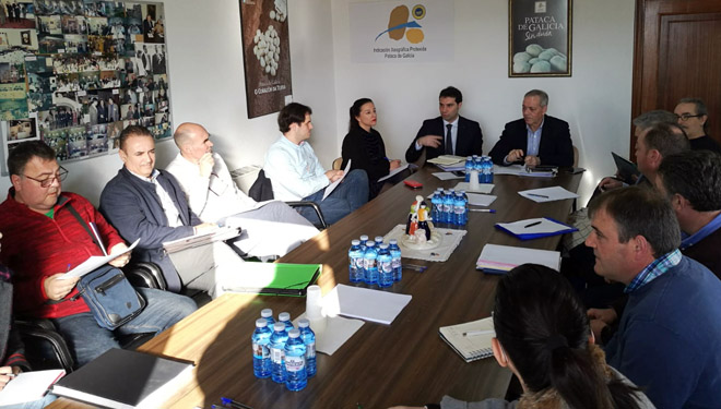 La Xunta mantuvo un encuentro con el sector agrario de A Limia y con ecologistas.