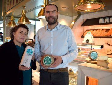 Prestes presenta su nuevo queso de cabra, el primero elaborado en Galicia  con leche de raza saanen