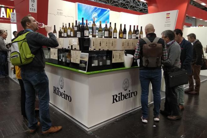 Los vinos del Ribeiro sorprenden en Alemania en la feria Prowein