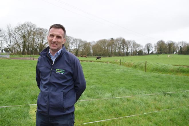 """""""Os retos para a gandaría de vacún de leite son reducir o impacto ambiental e atraer man de obra"""""""