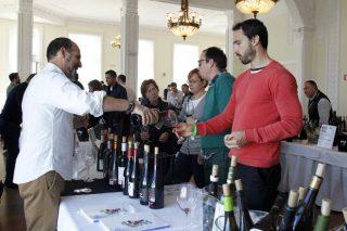 Os viños de Valdeorras seducen en Cantabria