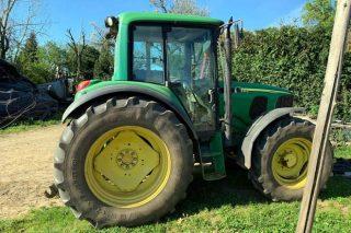Tractor del mismo modelo que no pasó la ITV con el mismo enganche.