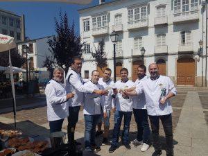 A asociación de cociñeiros da Mariña promocionando os produtos de Mondoñedo