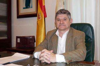 José Luis Chan no seu despacho.