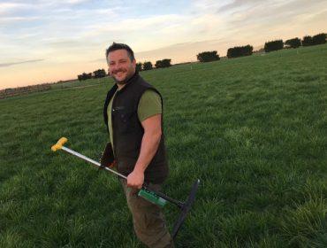 Un galego xestionando unha das maiores ganderías de vacún de leite de Nova Zelandia