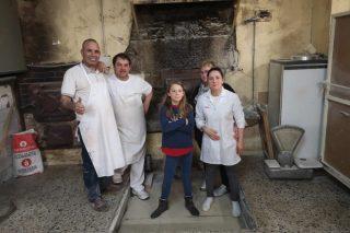 Tahona de Melide, elaborando pan y dulces artesanales desde 1930