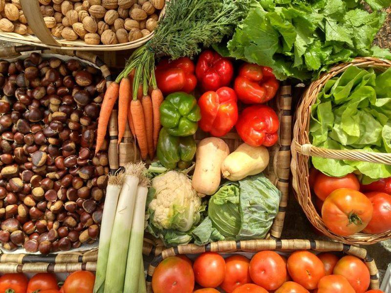 Corenta organizacións reclaman a reapertura dos mercados alimentarios en Galicia