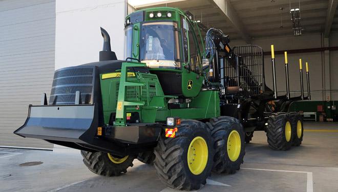 Guifor, distribuidora da maquinaria forestal John Deere, estrea instalacións en Lugo