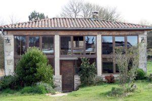 Unha das casas de turismo en Arqueixal, autosuficiente enerxéticamente grazas a contar con placas solares