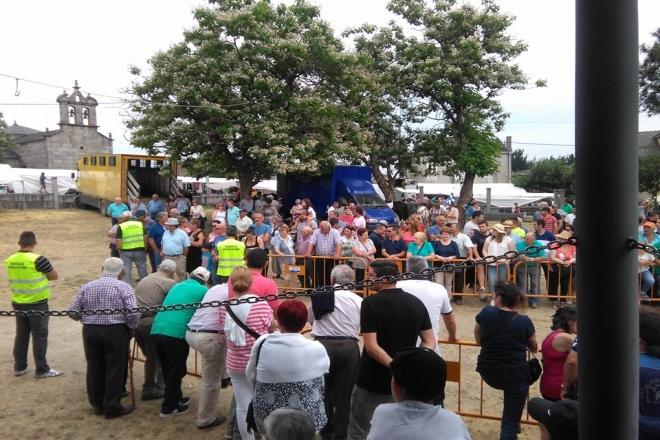 Público asistente á Feira do Cabalo de Adai do ano pasado